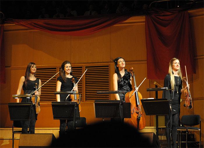 20101217-karsten-xmaswishes-glasgow7